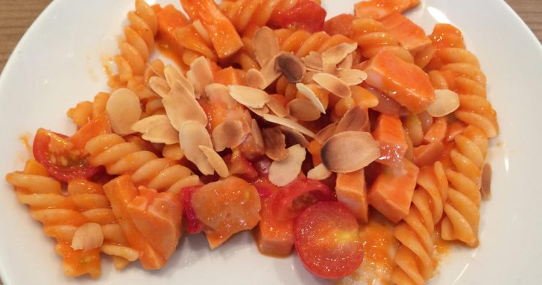 Rode pastasalade