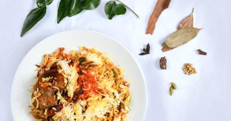 Pilav met kip, gember en kaneel